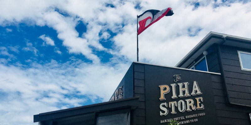 Outside view The Piha Store cafe